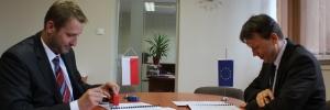 2013-05-20-podpisanie-umowy-k9a